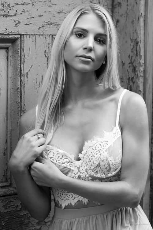 Lynne Adams Nude Photos 5