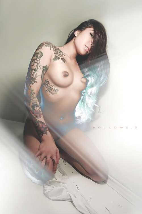 Nude mala